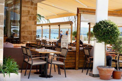 Tivat Porto Montenegro cafe
