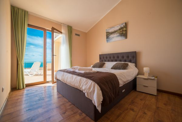 Double bedroom with sea view (example)