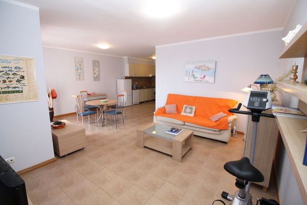 Open plan living (typical example)